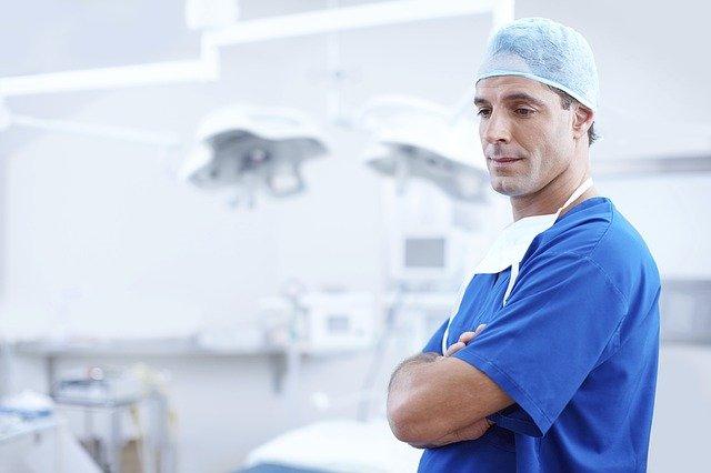 十字韌帶手術 費用